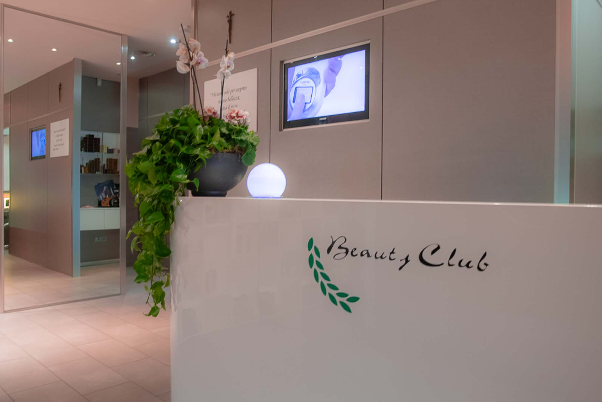 Estetica Beauty Club Receptions